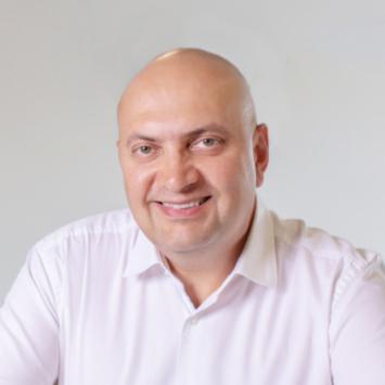 Dr Payam Taaghol
